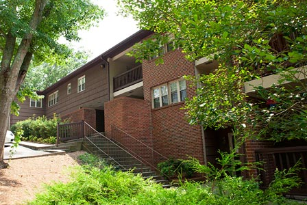Village Green Apartments - Greenville, NC